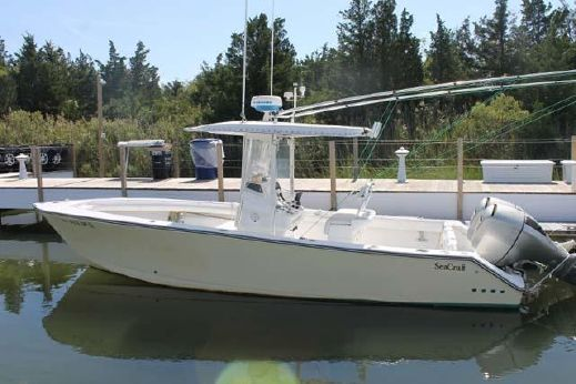 2005 Seacraft 25 Center Console