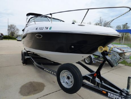 2013 Rinker 230 Express Cruiser Cuddy
