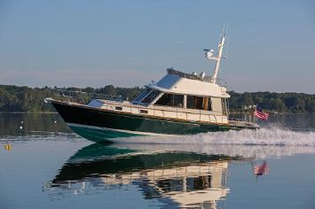 2013 Lyman-Morse HUNT Express Cruiser Flybridge